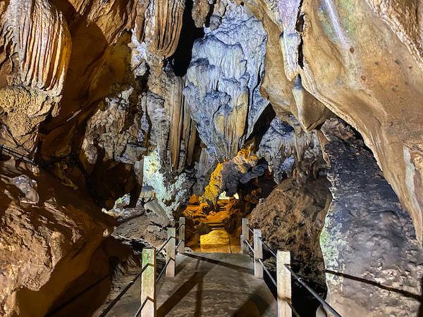 チェンダオ洞窟の内部3