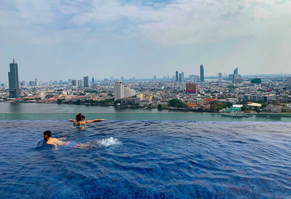アヴァニ リバーサイド バンコク ホテル(Avani Riverside Bangkok Hotel)のインフィニティプール1