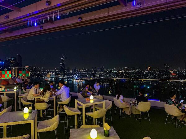 アヴァニ リバーサイド バンコク ホテル(Avani Riverside Bangkok Hotel)のスカイバー