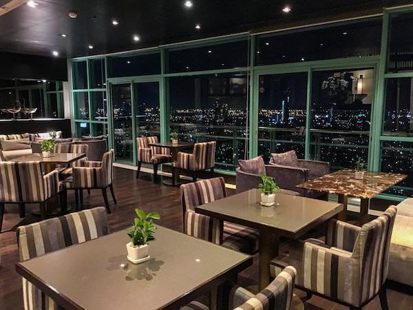 チャトリウム ホテル リバーサイド バンコク(Chatrium Hotel Riverside Bangkok)のスカイバー
