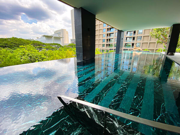 キンプトン マーライ バンコク(Kimpton Maa-Lai Bangkok)のプール2
