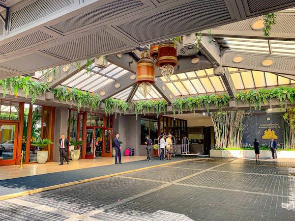マンダリン オリエンタル バンコク(Mandarin Oriental Bangkok)の入り口
