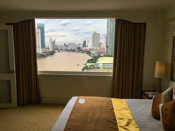 ラマダ プラザ バンコク メナム リバーサイド(Ramada Plaza Bangkok Menam Riverside)の客室から見えるチャオプラヤー川