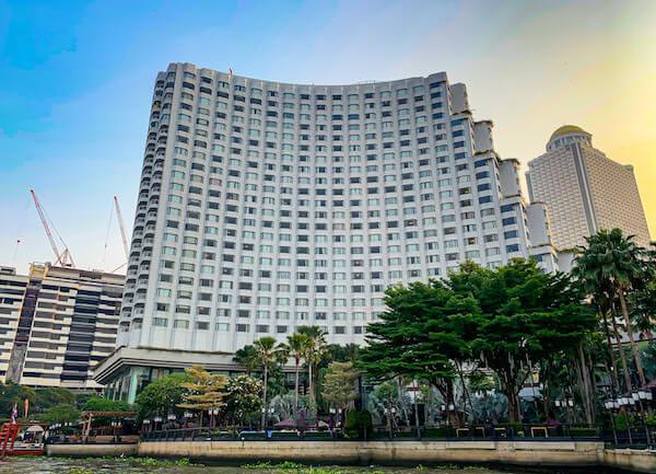 シャングリラ ホテル バンコク(Shangri-La Hotel, Bangkok)の外観