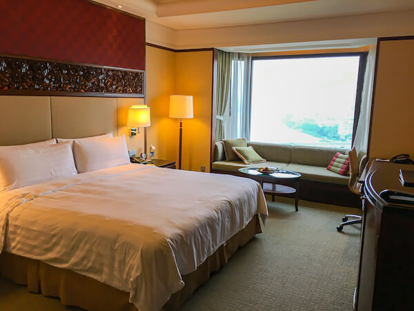 シャングリラ ホテル バンコク(Shangri-La Hotel, Bangkok)の客室1