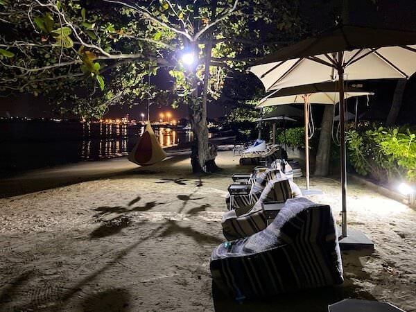 夜のナバーナネイチャーエスケープ(Navana Nature Escape)のプライベートビーチ1