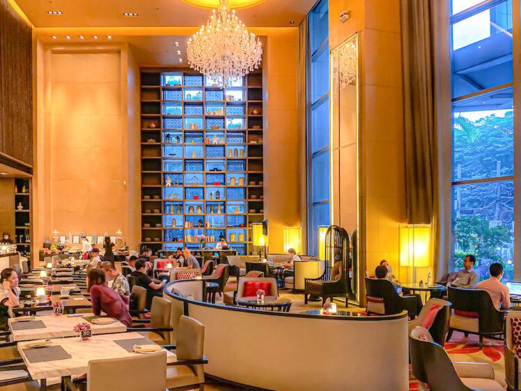 バンコク マリオットホテル スクンビット(Bangkok Marriott Hotel Sukhumvit)のエントランスロビー