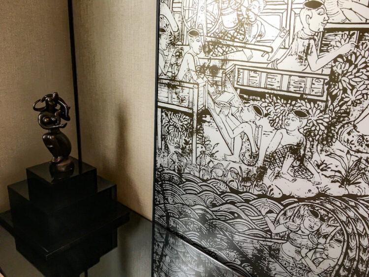 バンコク マリオット スリウォンの客室に描かれている壁画風のデザイン