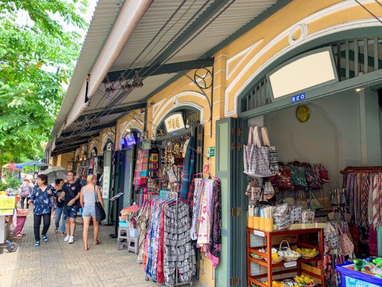 バンコク旧市街のお土産ショップ