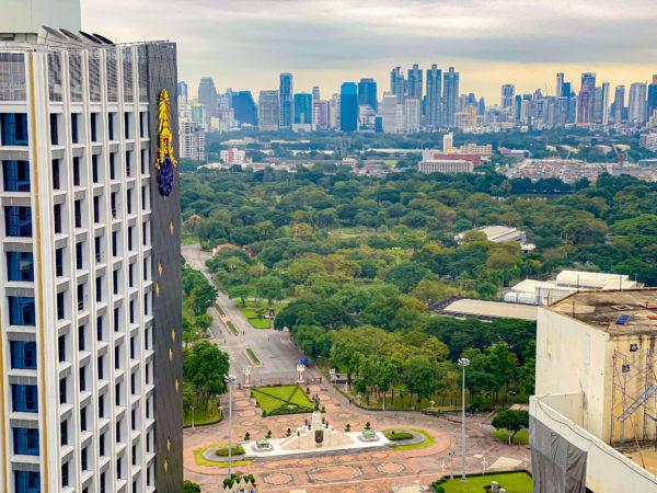 クラウンプラザ バンコク ルンピニ パーク(Crowne Plaza Bangkok Lumpini Park)のジュニアスイートルームから見える景色