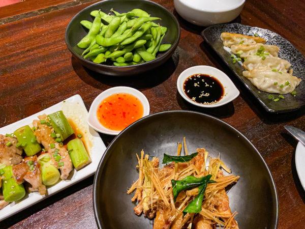 クラウンプラザ バンコク ルンピニ パーク(Crowne Plaza Bangkok Lumpini Park)のクラブラウンジで食べた軽食