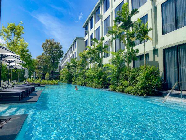フォー ポインツ バイ シェラトン パトン ビーチ リゾート(Four Points by Sheraton Phuket Patong Beach Resort)のプール1