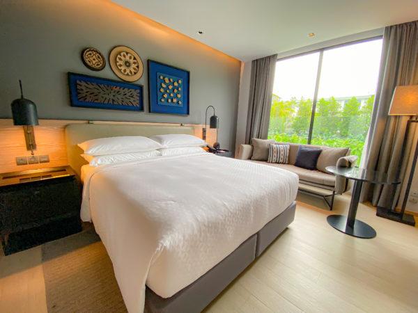 フォーポインツ バイ シェラトン パトン ビーチ リゾート(Four Points by Sheraton Phuket Patong Beach Resort)ファミリースイートのベッドルーム