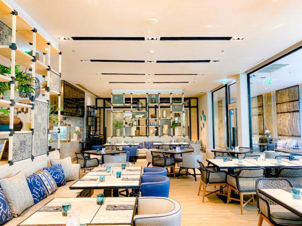 フォーポインツ バイ シェラトン パトン ビーチ リゾート(Four Points by Sheraton Phuket Patong Beach Resort)のレストラン