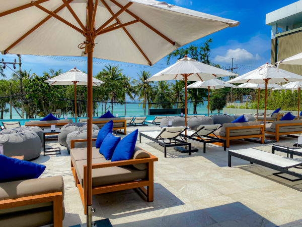 フォーポインツ バイ シェラトン パトン ビーチ リゾート(Four Points by Sheraton Phuket Patong Beach Resort)のデッキプール3