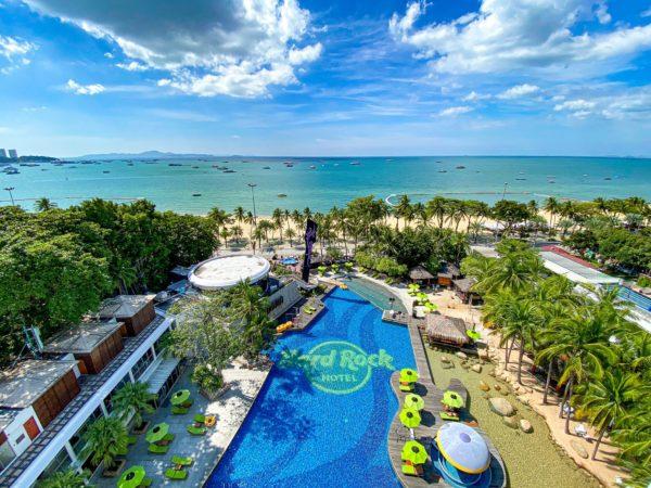 上空から見たハードロックホテル パタヤ(Hard Rock Hotel Pattaya)のプール