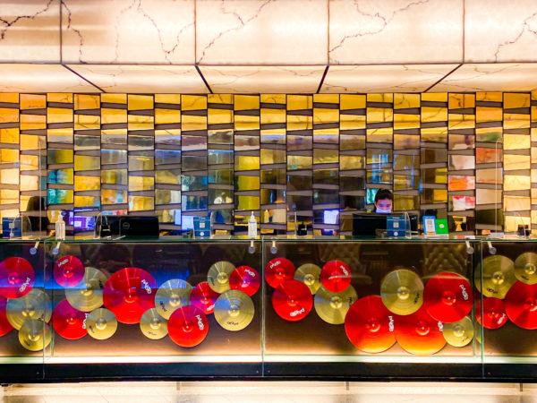 ハードロックホテル パタヤ(Hard Rock Hotel Pattaya)のチェックインカウンター