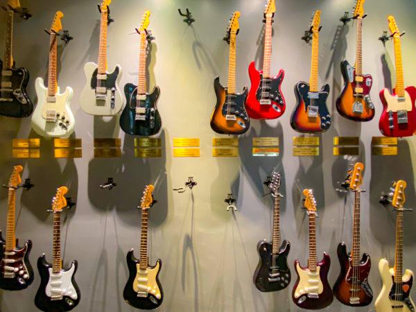 ハードロックホテル パタヤ(Hard Rock Hotel Pattaya)でレンタルしているギター