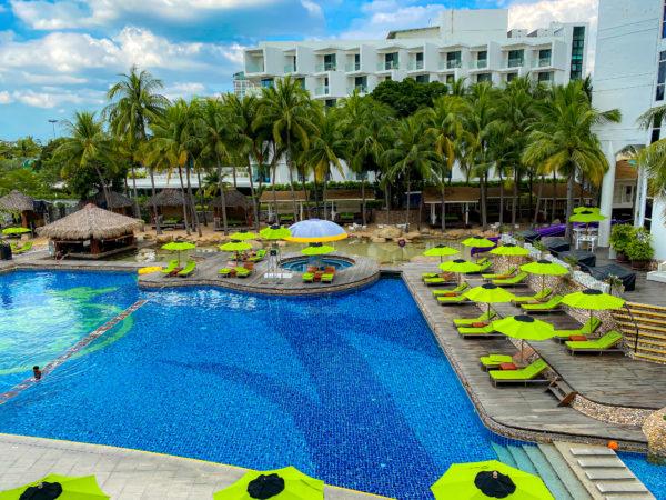ハードロックホテル パタヤ(Hard Rock Hotel Pattaya)のプール2
