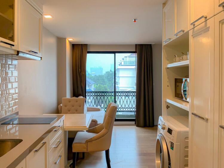 ホープランド ホテル アンド レジデンス スクンビット 8(HopeLand Hotel Sukhumvit 8)の1ベッドルームスイート客室