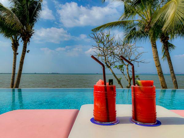 クラムパタヤ(Kram Pattaya)のクラウドビーチバーで飲んだスイカのスムージー
