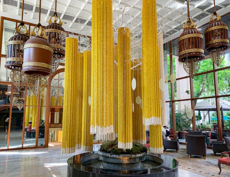 マンダリン オリエンタル バンコク(Mandarin Oriental Bangkok)のエントランスロビーにある装飾