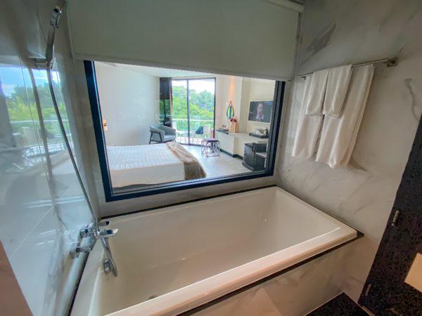 メラマーレ パタヤ(Mera Mare Pattaya)デラックス シービュールームのバスルーム1