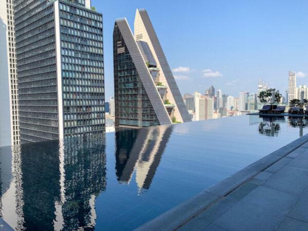 ジ オークラ プレステージ バンコク(The Okura Prestige Bangkok)のプール2