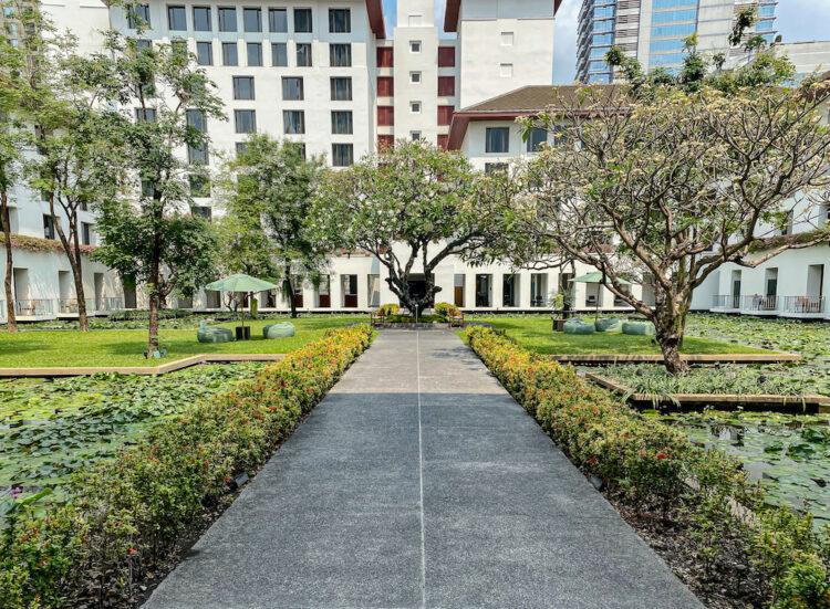 ザ スコータイ バンコク(The Sukhothai Bangkok)の蓮池