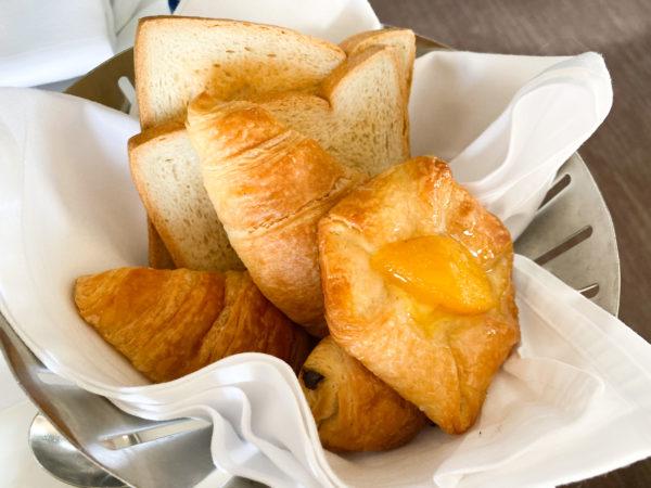 クラウンプラザ バンコク ルンピニ パーク(Crowne Plaza Bangkok Lumpini Park)の朝食パン