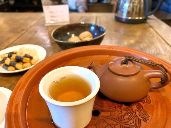 ダブルドッグスティールーム(Double Dogs Tea Room)で飲んだ雲南赤茶