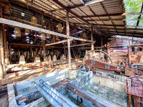 クレット島の工場カフェ入り口
