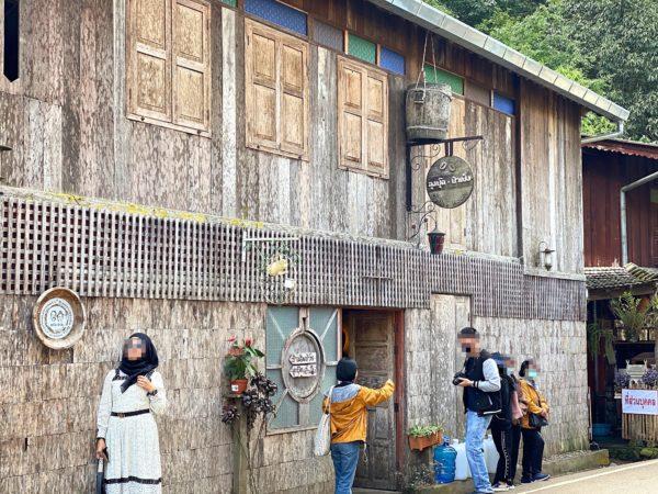 メーカンポン村の写真スポット「ルン プット パー ペン カフェ」1