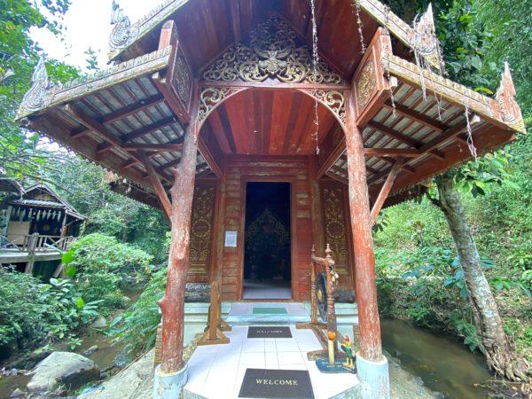ワット カンター プルクサーの仏堂2