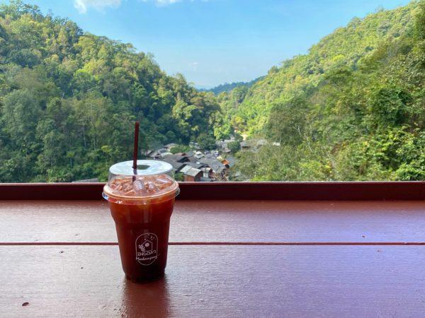メーカンポン村のカフェ「チョムノック チョンマイ」で飲んだコーヒー