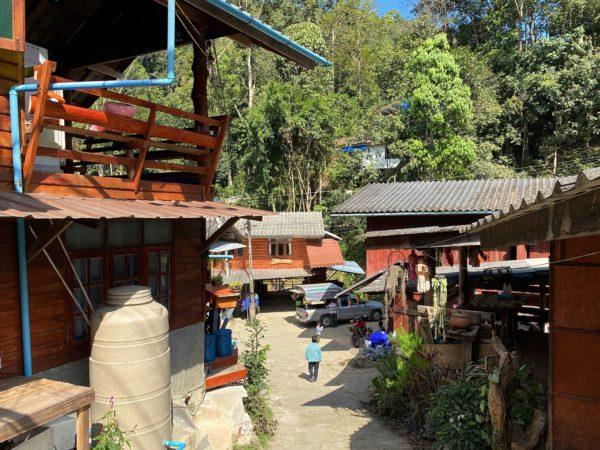 メーカンポン村の集落2