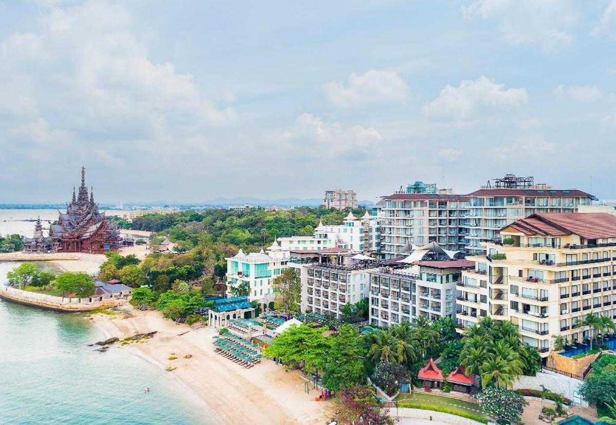パタヤ モーダス ビーチフロント リゾート(Pattaya Modus Beachfront Resort)の空撮