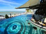 パタヤ モーダス ビーチフロント リゾート(Pattaya Modus Beachfront Resort)のプールバー