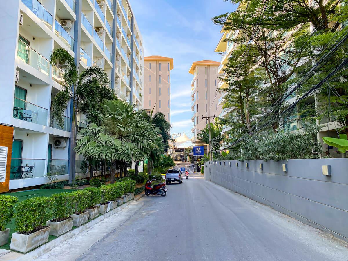 パタヤ モーダス ビーチフロント リゾート(Pattaya Modus Beachfront Resort)周辺の道路