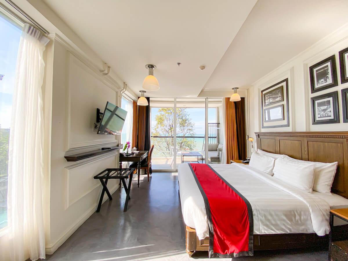 パタヤ モーダス ビーチフロント リゾート(Pattaya Modus Beachfront Resort)のデラックスオーシャンビュー客室3