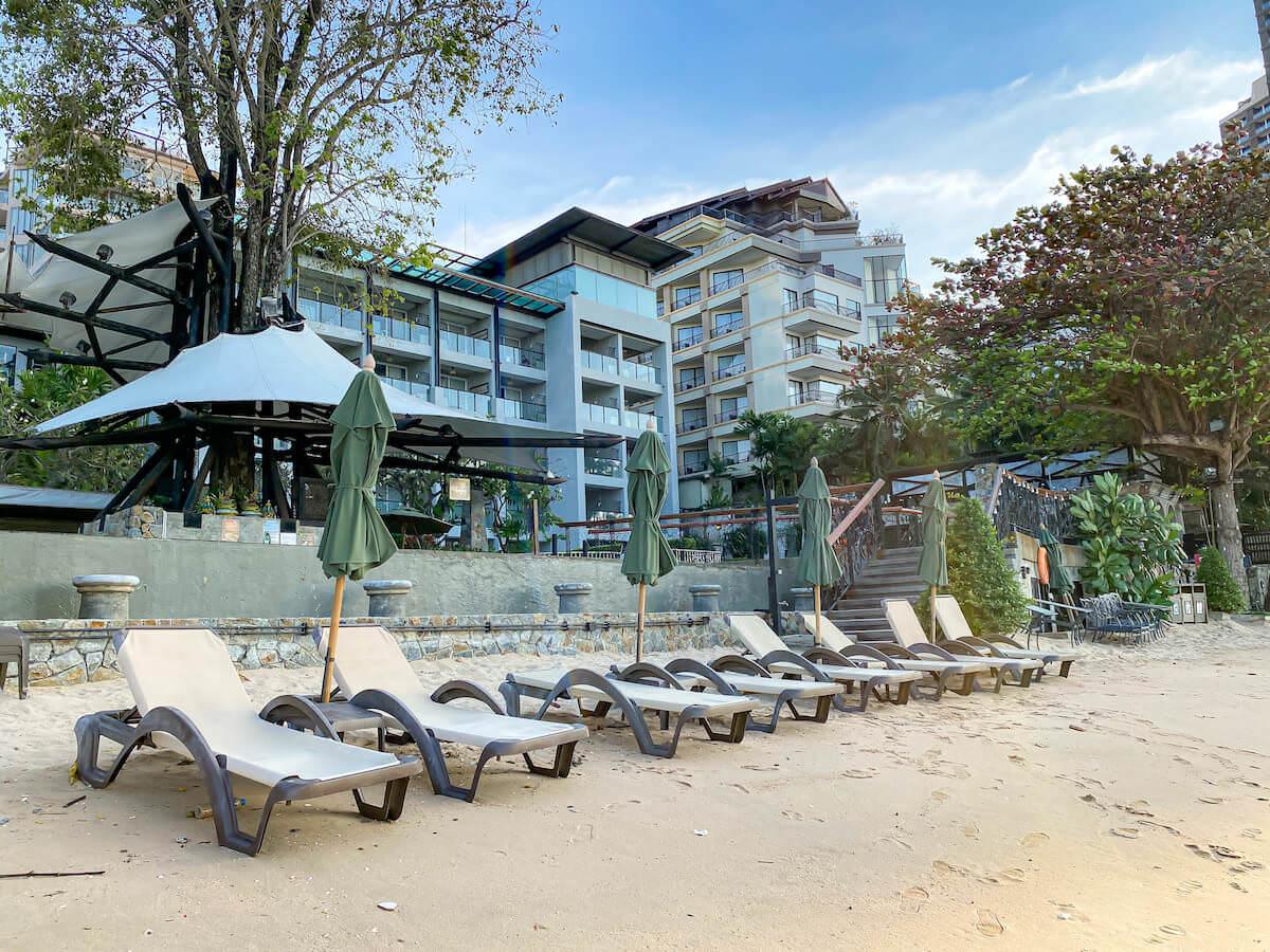 パタヤ モーダス ビーチフロント リゾート(Pattaya Modus Beachfront Resort)のプライベートビーチ2