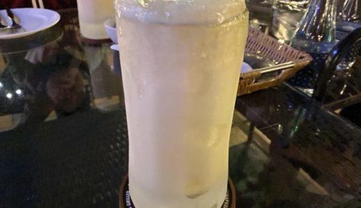 シャーベット状のビール「ビアウン」が飲めるチェンマイのリバーサイドレストラン。ガツンと来る口当たりが癖になる。