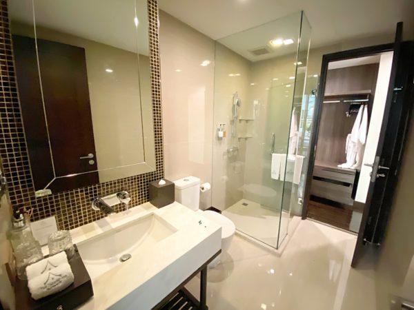 ザ チェンマイ リバーサイド(The Chiang Mai Riverside)1ベッドルーム プレミアのシャワールーム