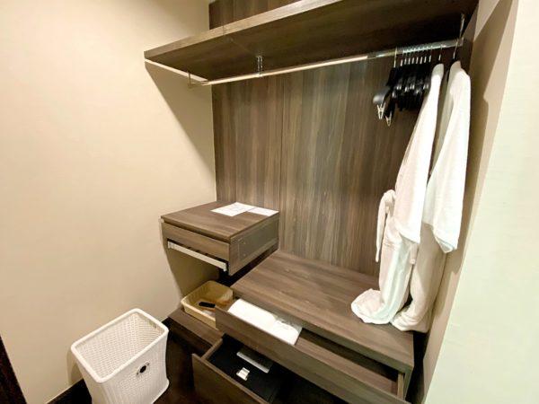 ザ チェンマイ リバーサイド(The Chiang Mai Riverside)1ベッドルーム プレミアのシャワールーム2