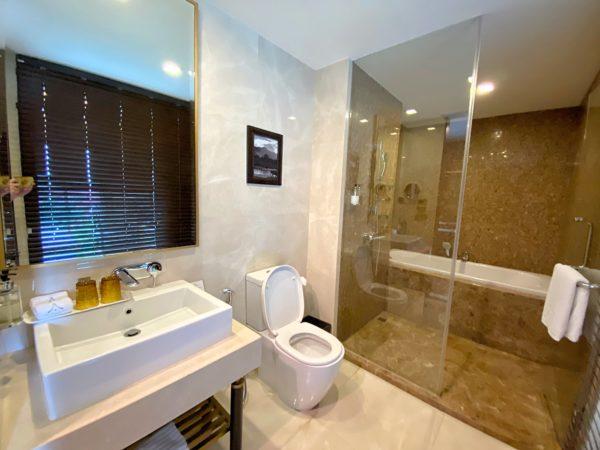 ザ ペントハウス 2ベッドルーム 2バスルーム Vorra Chindaのバスルーム