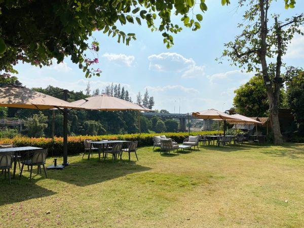 ザ チェンマイ リバーサイド(The Chiang Mai Riverside)の中庭
