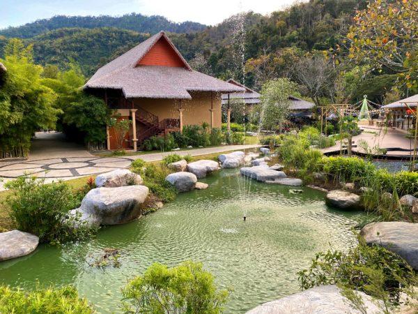 イサーン イサン ブティック リゾート バイ アンダキュラ(Isaan-Isan Boutique Resort by Andacura)の中庭