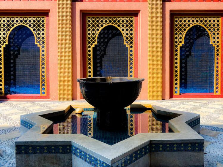 マラケシュホアヒン リゾート アンド スパ(Marrakesh Hua Hin Resort and Spa)内にある噴水オブジェ