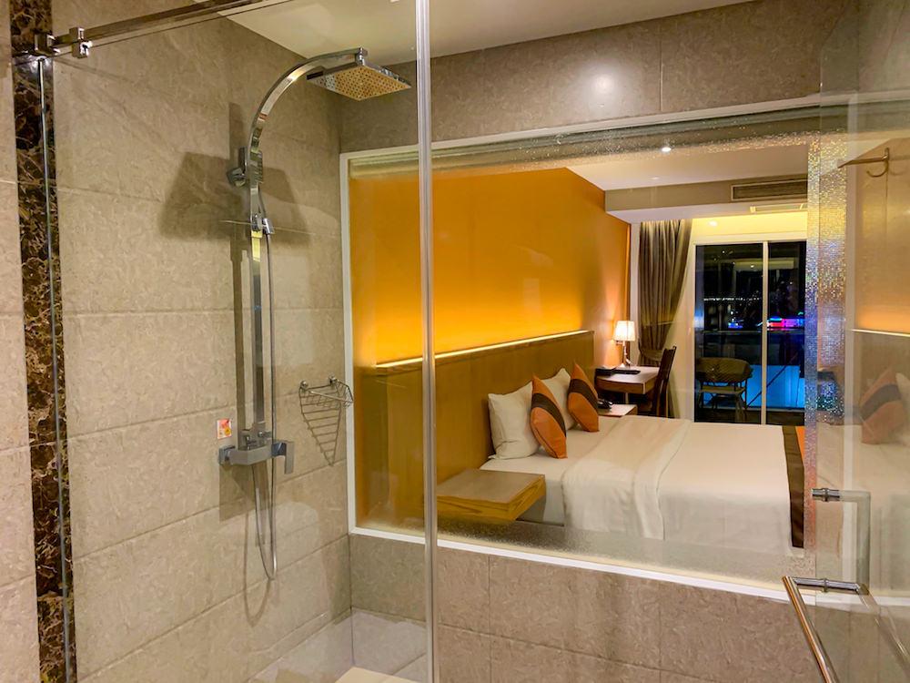 バリハイ ベイ レジデンス(Balihai Bay Residence)のプレミアムオーシャンビューのシャワールーム