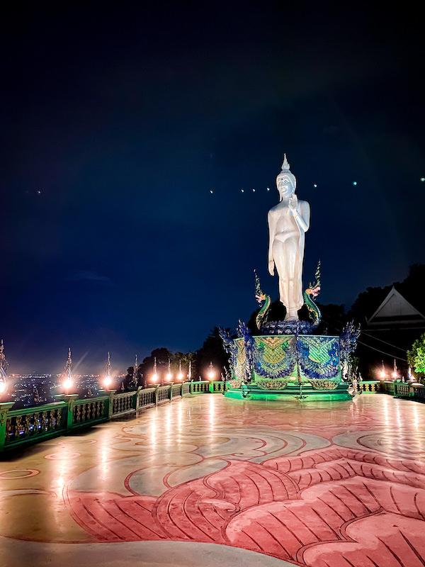 夜のワット・カオ・プラ・クルー(Wat Khao Phra Khru / สำนักสงฆ์เขาพระครู)1